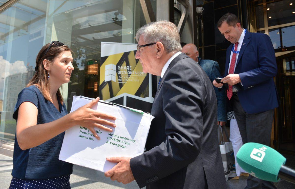Еврокомисията ще разследва дали изграждането на АМ Струма през Кресненския пролом спазва директивата за безопасност по пътищата